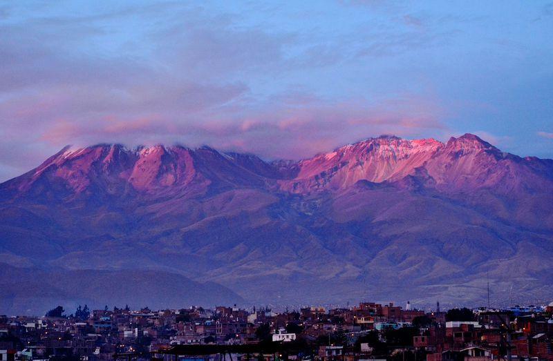 月が忘れていった町!?ペルー、アレキパの絶景と食を満喫!