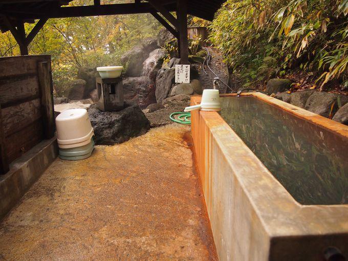 秘湯の露天にしては珍しくちゃんとした洗い場が