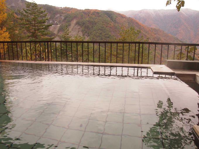 半露天からの山々の眺めが素晴らしい 信州小渋温泉「赤石荘」