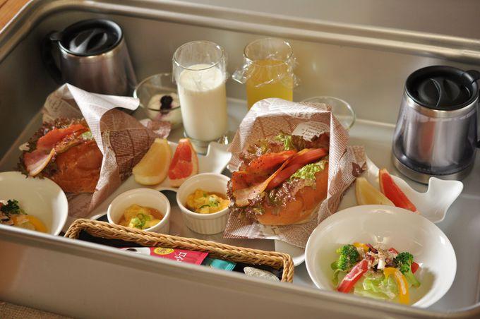 朝はルームサービスで!心も身体も温まる絶品の朝食が届く!