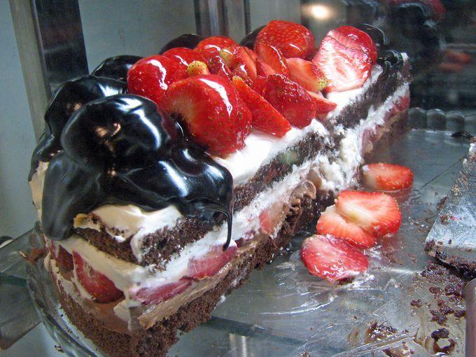 少しだけ都会風!?イスタンブール新市街のケーキもおいしい!