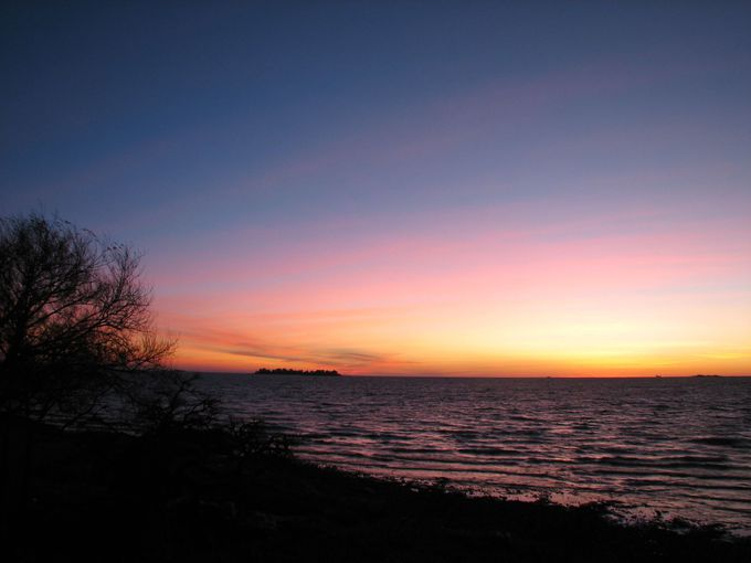 1泊で訪れるのがおすすめ!夕焼けが美しいコロニア