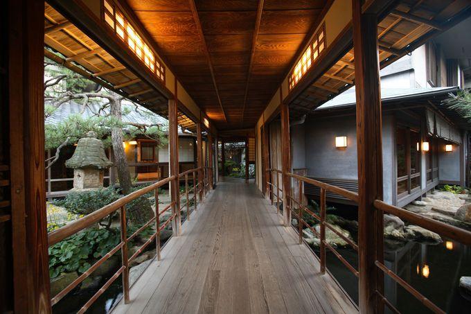 くまなく見学したくなる、美しい木造建築と日本庭園。