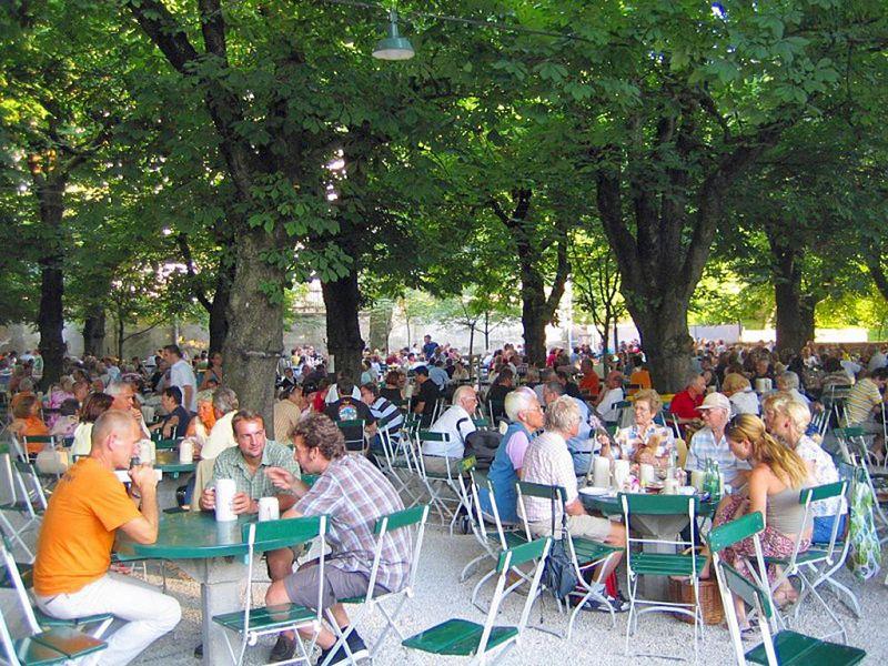 ビール好き注目!アウグスティナー醸造所はオーストリア最大級のビアホール