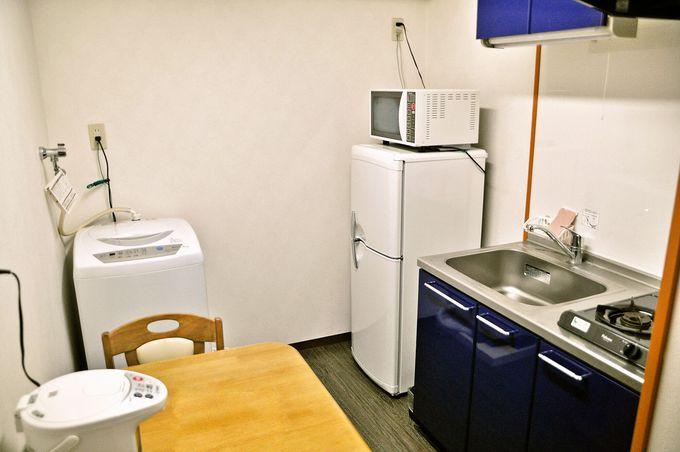子連れに嬉しい洗濯機付き。ミニキッチンで簡単調理もOK!