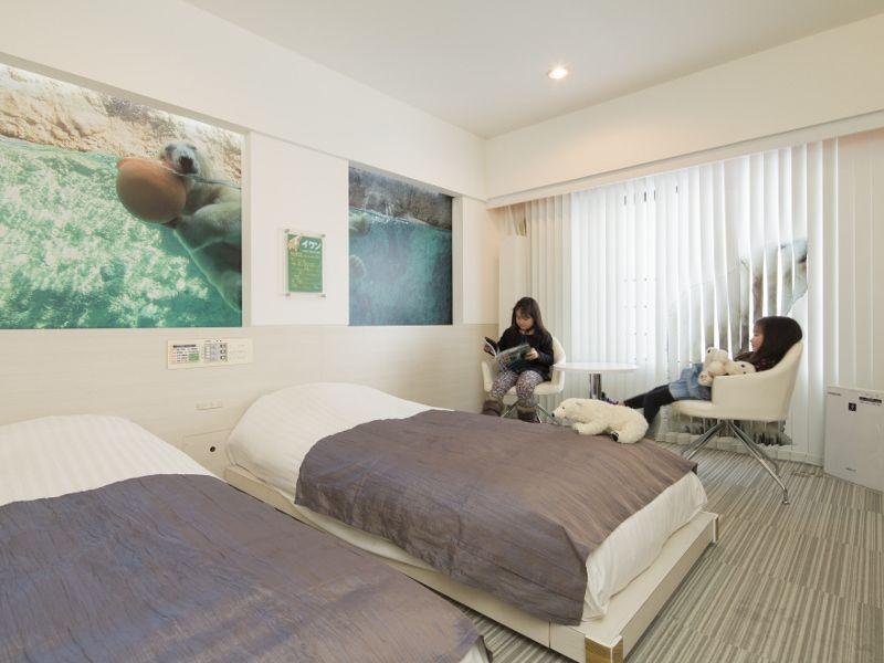 ホテルでも一緒!ペンギンやシロクマと眠れる旭山動物園ルーム