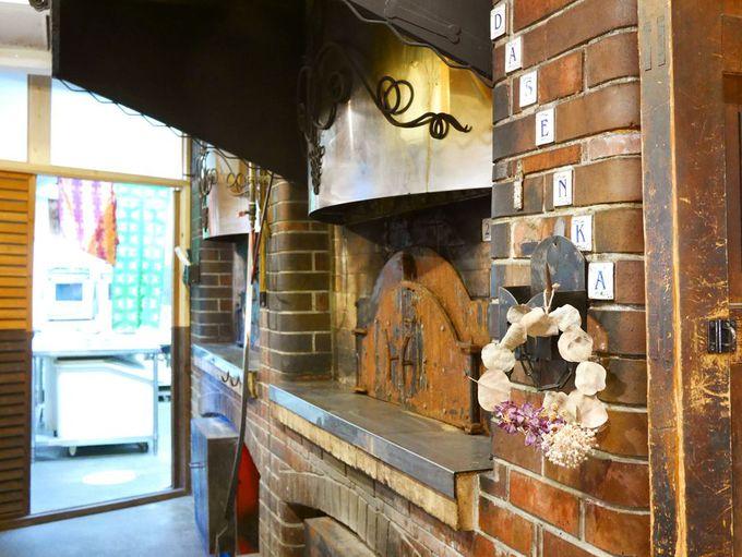石窯で毎日焼き上げる、自家製フルーツ酵母のパン