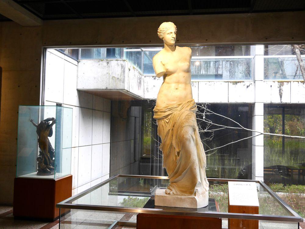 ルーブル美術館の至宝が、実物大で目の前に!