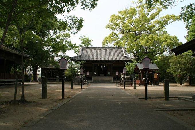 豊玉姫神社は、嬉野温泉街の氏神様