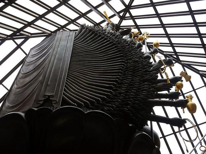 隣接する「ルーブル彫刻美術館」の千手観音も必見!