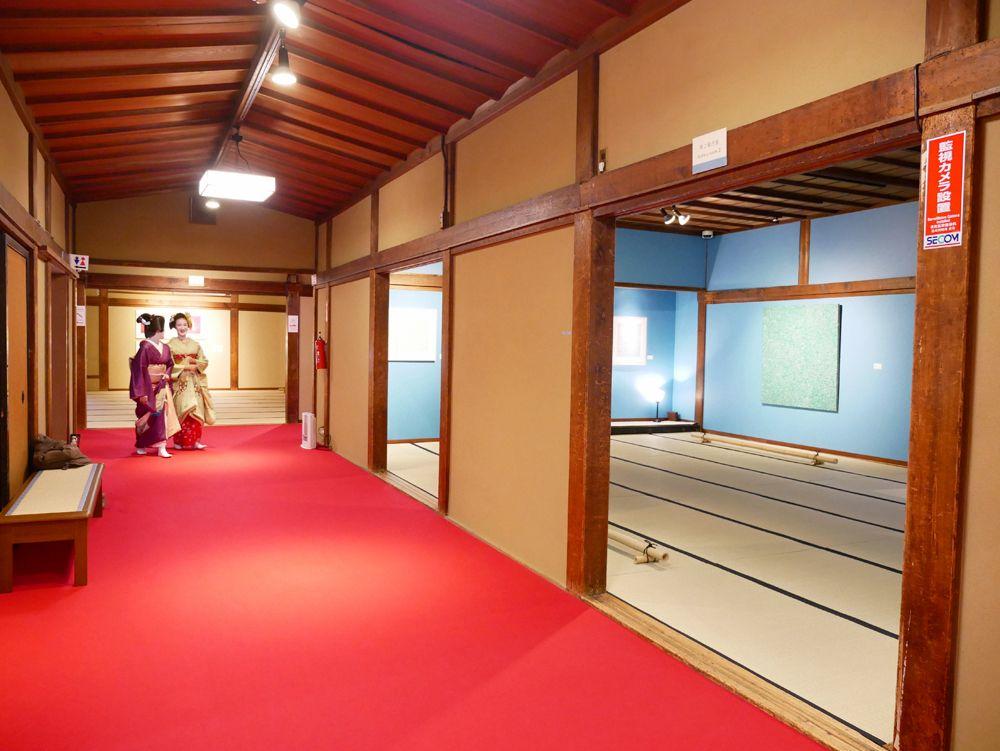 京都×畳×草間彌生!「フォーエバー現代美術館 祇園・京都」って一体何者?