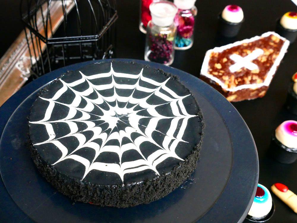 10月のブラックスイーツは、ハロウィン仕様!