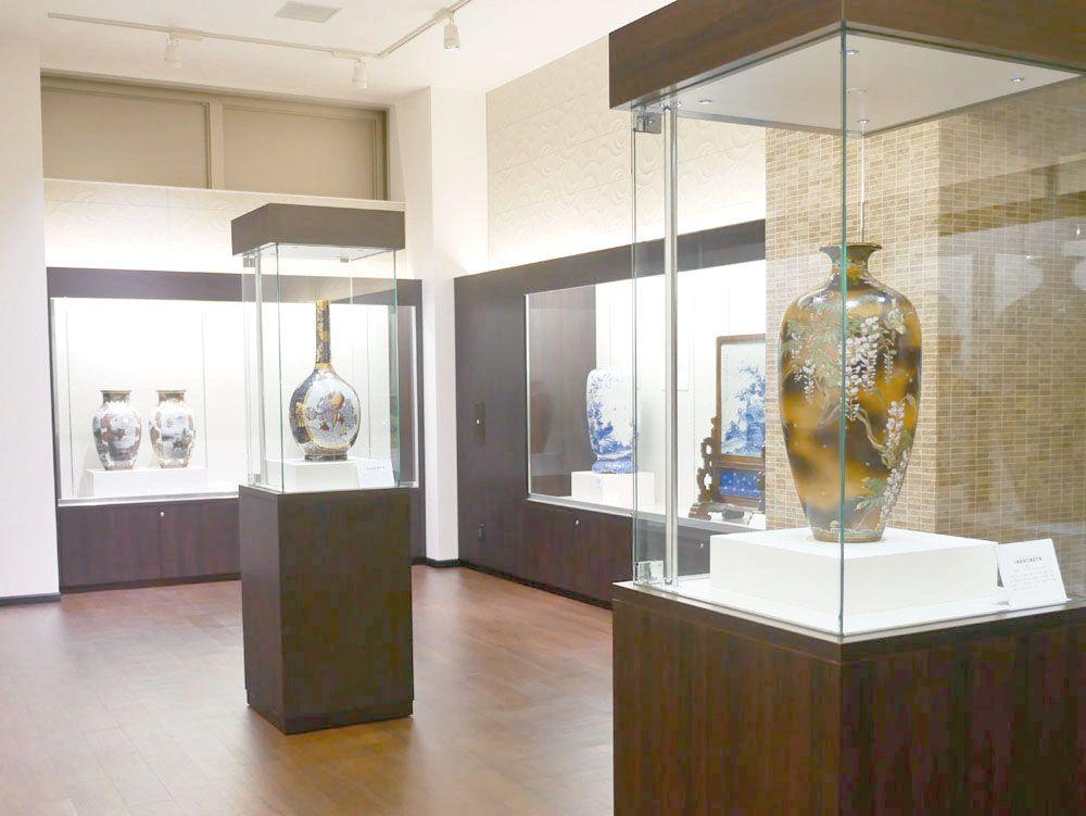 ジュール金盛薔薇図花瓶から始まった、横山美術館