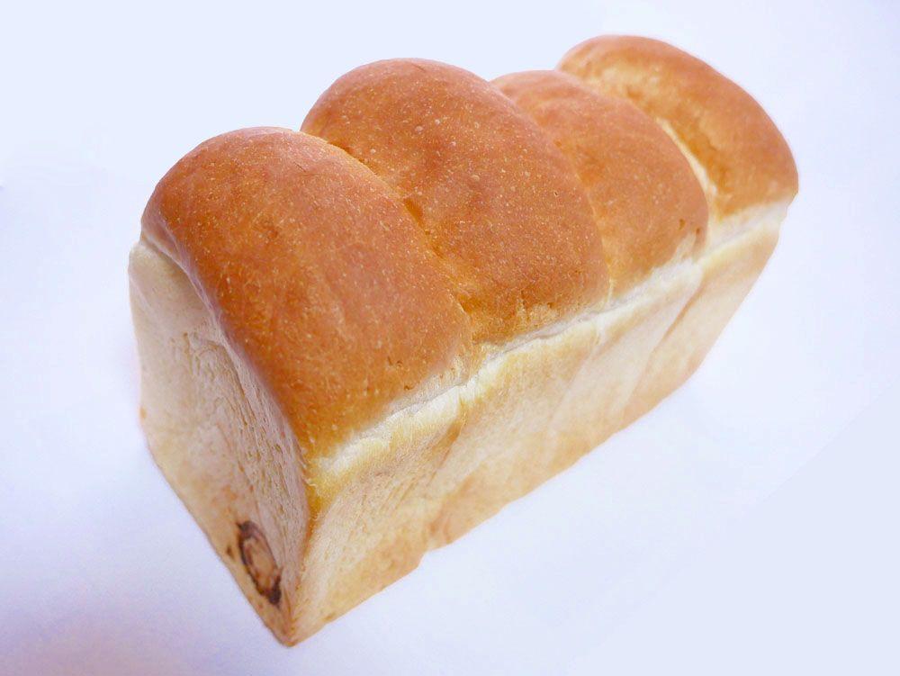 トースト好きに朗報!天然酵母の食パン専門店「つばめパン&Milk」
