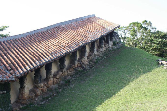 読谷村「やちむんの里」のシンボルは大きな登り窯。