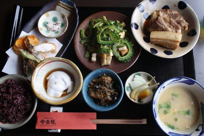 """基本の沖縄料理をひと通り味わえるランチ""""ぬちがふぅ御膳"""""""
