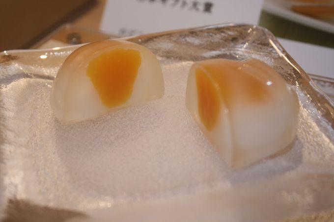 柿そのままの形、素材感が生かされたお菓子たち