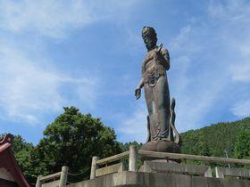 温泉街・長野山ノ内町の隠れ名所!「世界平和観音」は東洋一の高さ