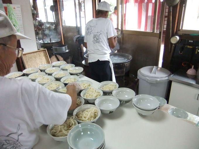 日曜日にしか食べることが出来ない高松「田村神社」の名物うどん!