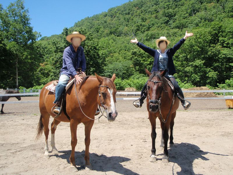 豪快に羊蹄山麓を馬の背に乗って散歩!!ニセコ乗馬ビレッジ