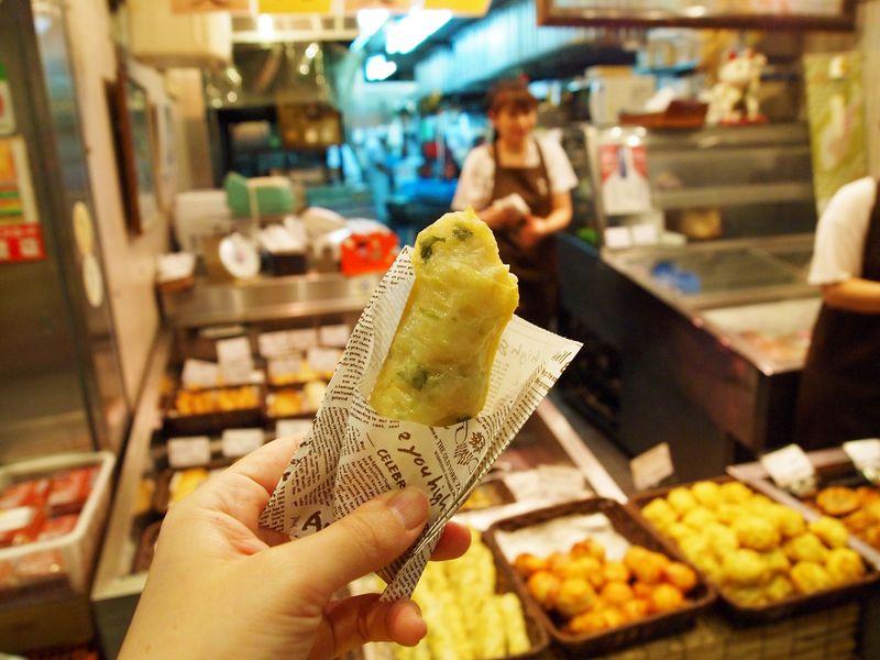 錦天満宮に参拝も!京都の台所「錦市場」で名物食べ歩き散歩