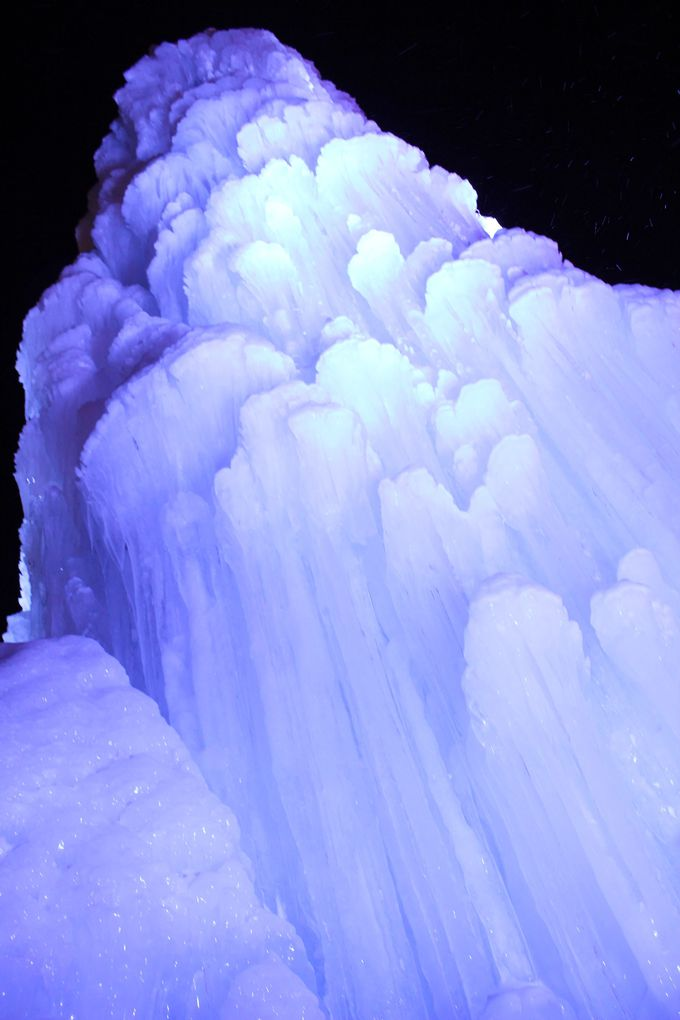 支笏湖ならでは!そびえ立つ「氷濤」の迫力に心奪われる!