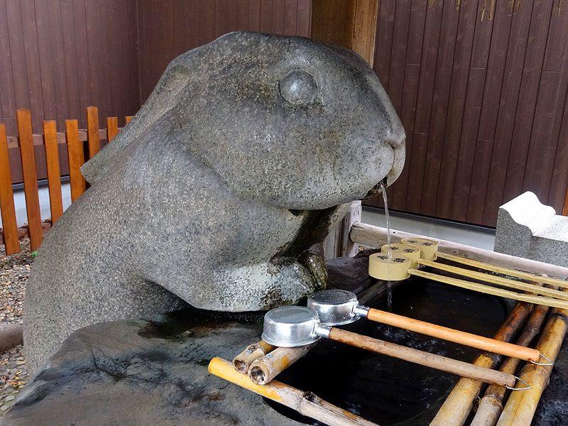 ウサギの手水