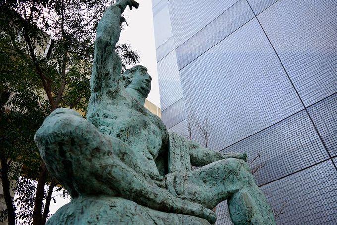 ピースフルな平和祈念像