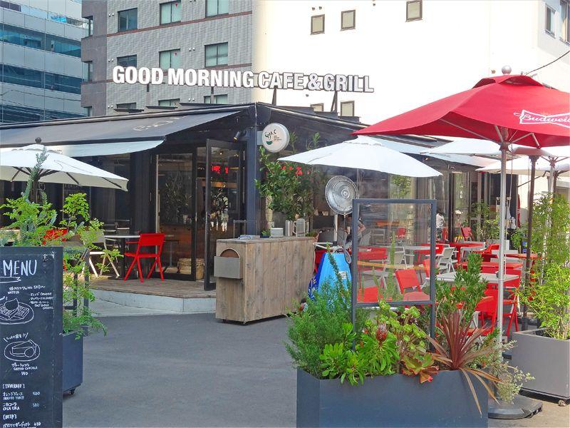 華やかなオープンカフェ第1号店
