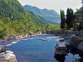 ワンコインで天空の露天風呂!長野県「馬曲温泉 望郷の湯」は絶景温泉