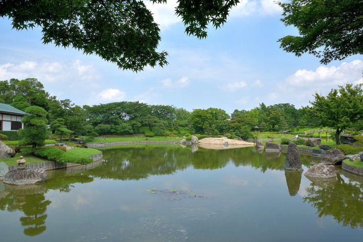 """花田第六公園より""""花田苑""""の方が趣があります"""