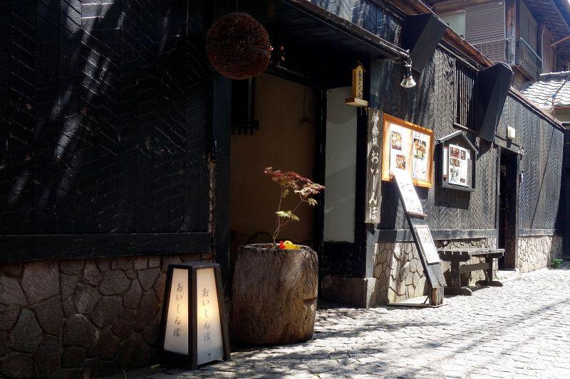 神楽坂らしさが一番の「兵庫横丁」