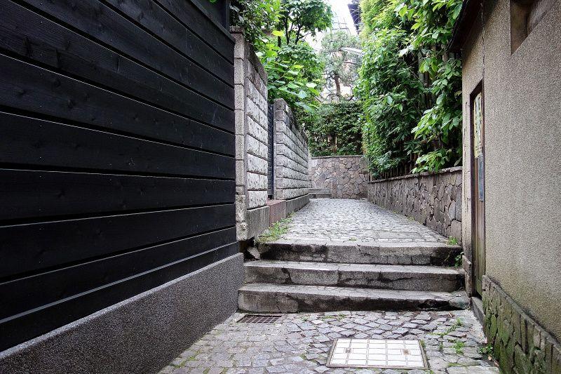 東京のプチフランス、神楽坂の石畳横丁