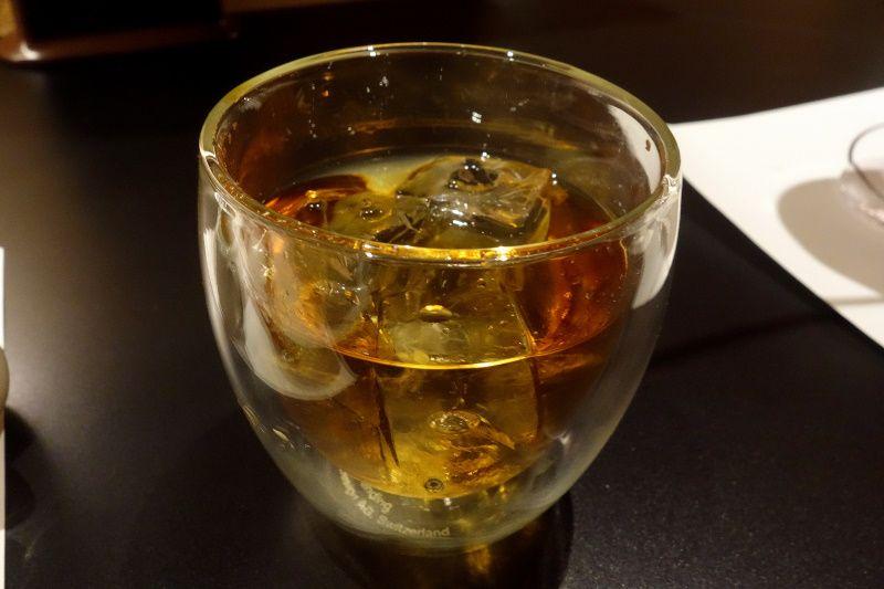 酒とスイーツしかないユニークな存在