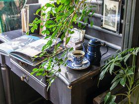 私語NG!高円寺「アール座読書館」は非日常的ブックカフェ