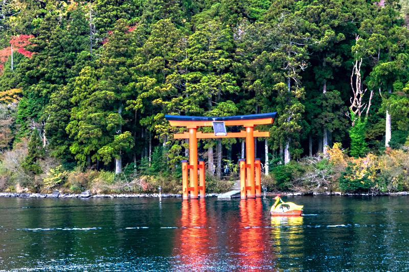 由緒ある箱根神社にあるお休み処とは