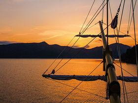 奇跡のマジックアワー!箱根海賊船SunsetCruiseで魔法の絶景を
