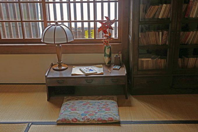 「金子みすゞ記念館」では彼女の部屋を再現