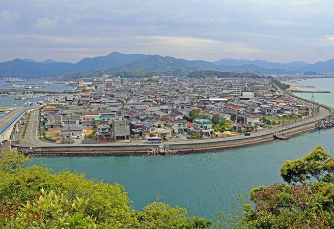 数々の観光スポットがある青海島も至近
