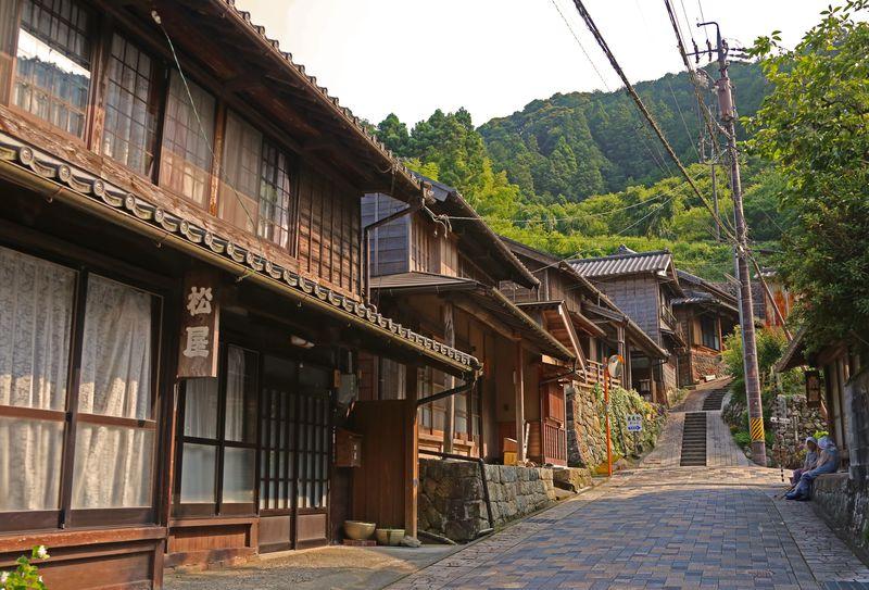 静岡・宇津ノ谷峠〜幾つもの旧道が眠る旧東海道の難所