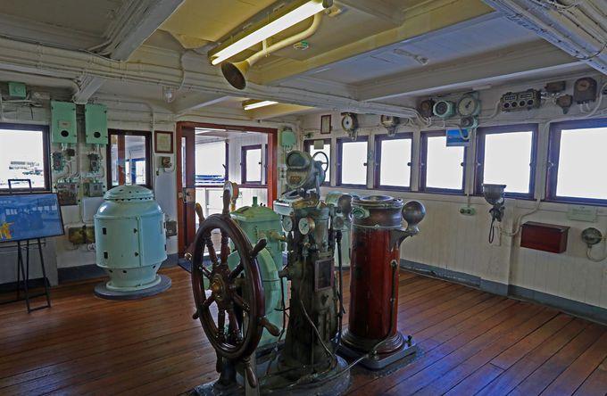 船の中枢だった操舵室もゆったりと広く