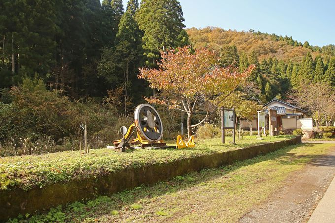 ホーム跡が残る旧・大桐駅