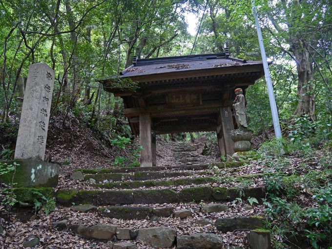 10分の登りで阿弥陀寺に到着