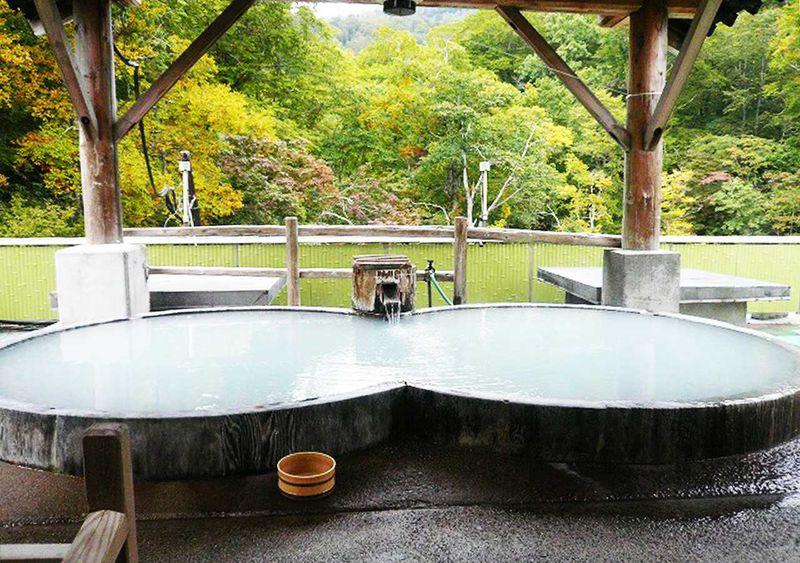 白濁の秘湯、「日本秘湯を守る会」幕川温泉 水戸屋旅館