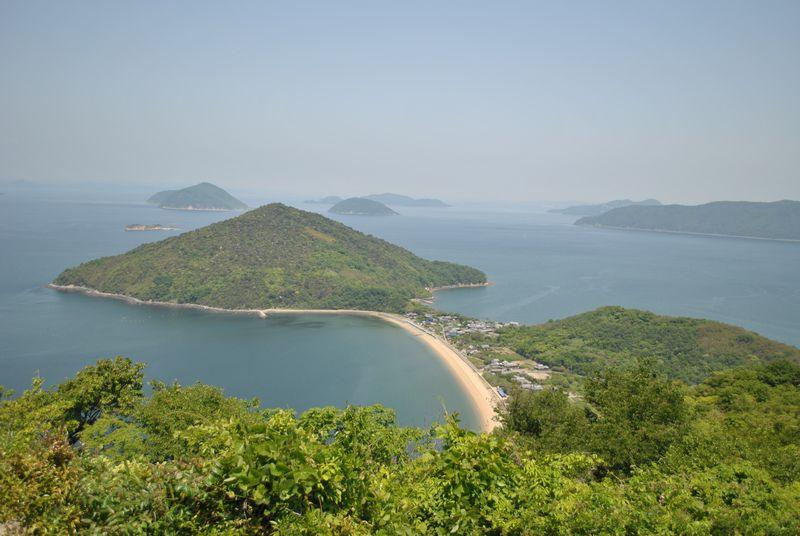 香川県「粟島」〜何にもない島で空っぽの自分に出会う〜