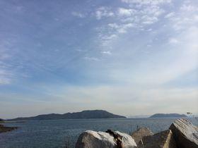 石と筆文字の島 香川県・さぬき広島へショートトリップ