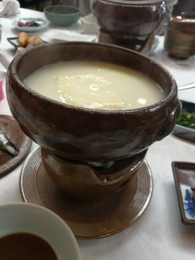朝食はとろける温泉湯豆腐