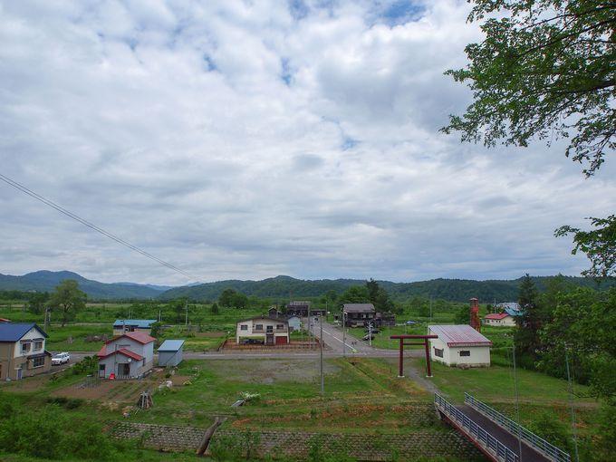 丘から駅周辺の景色を一望できる「恵比寿神社」