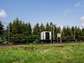 牧歌的な富良野を満喫!田園に囲まれたJR富良野線「学田駅」