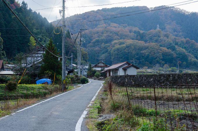 山の谷間にある集落をぶらりと散策